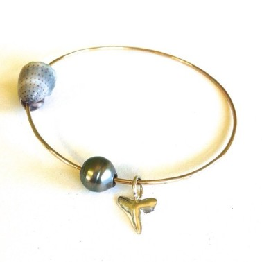 Bangle Shark Tooth Pearl Cone Shell