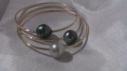 custom tahitian pearl bangle made on maui hawaii