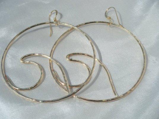 gold wave hoop earrings big statement fall trend