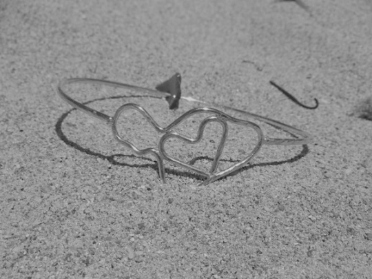 silver maui heart bracelet in the sand handmade