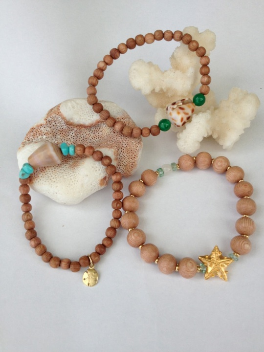 wood bead bracelet with shell made on maui