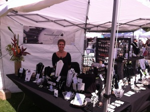maui dive girl jewelry craft fair booth