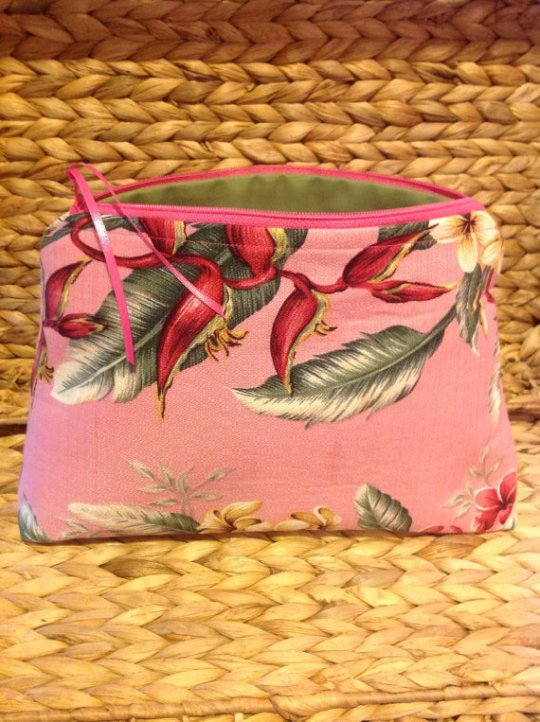 pink cosmetic bag floral print hawaii maui hawaiian