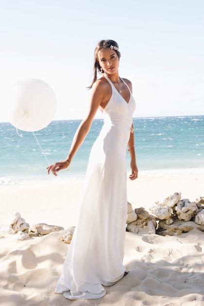 tamara catz wedding - bridal flip flops for beach wedding